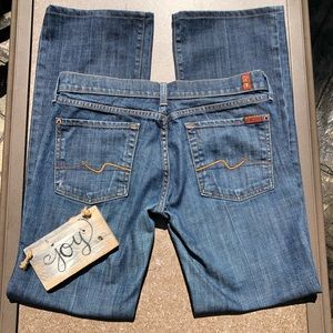 🎈NEW LISTING! 7 For All Mankind Boot Cut Jeans 31
